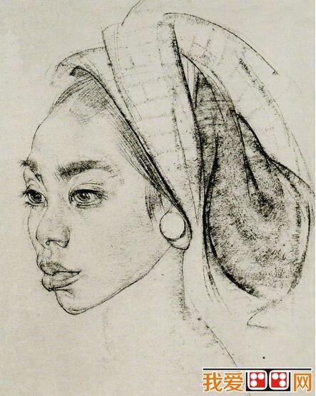 少女人物头像素描