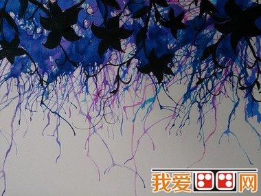 吹画活动就是用嘴或其他工具把滴在纸上的颜料水吹散开,形成画面图片