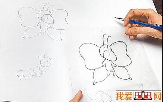 1、想故事:绘本故事可以来自于孩子的观察或生活经验,家长和孩子边聊边想边编故事,再把故事分成10小节左右写在纸上,准备每节做一张图。  儿童绘本制作教程 2、造型:给故事角色制定造型,如图中的毛毛虫和蝴蝶造型,制定造型时可以参考图片,这样有助于把每个角色的造型具体形象化。  自制儿童绘本教程 3、描图:自制绘本通过几张图构成,用描图纸描出主角造型,再描画出每个角色的造型。  儿童绘本制作教程 4、做出角色:用剪刀剪下描好的角色造型,并用彩色纸拼出造型。角色身上如果有圆弧处,可用圆形和椭圆形板帮助画出,再剪